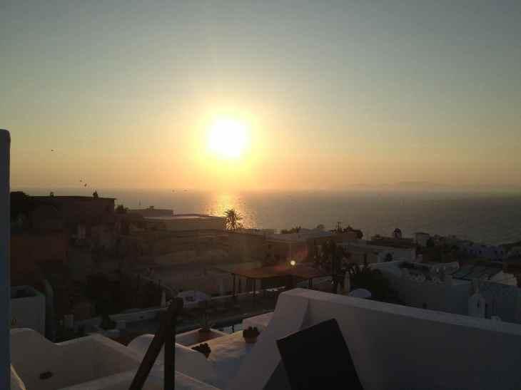 Vista do nosso quarto para o pôr do sol mais famoso do mundo